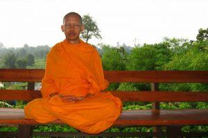Méditer la bienveillance, moine bouddhiste
